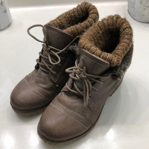 Booties size 5 1/2